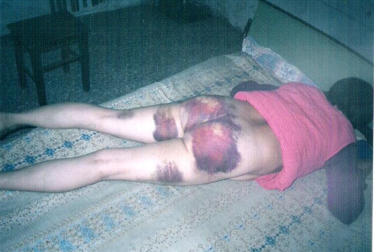 河北涿州市東城坊鎮西村人51歲的女法輪功學員劉季芝在河北省涿州市東城坊鎮派出所被警察何雪健當著另一警察王增軍的面實行了惡性強姦。