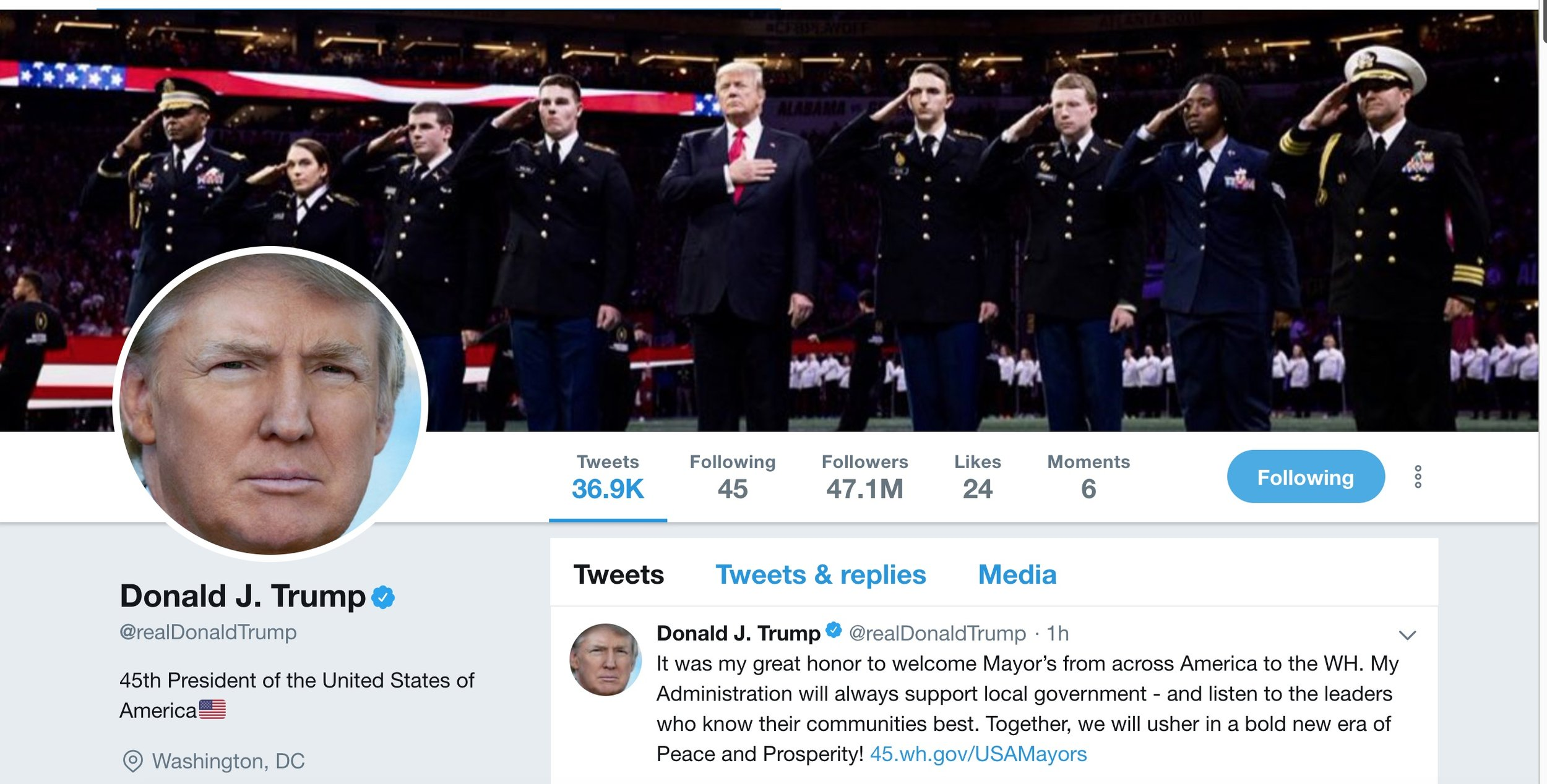 圖:2018年1月24日川普推特截圖顯示,他已經擁有4710萬推特粉絲,共發推文36900條。一年之中,他的推絲增長了2540萬,比去年此時多了一倍多。