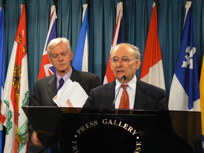 加拿大前資深國會議員大衛·喬高和著名的國際人權律師大衛·麥塔斯,2006年7月6日在加拿大渥太華發表長達68頁的「調查中共摘取法輪功學員器官的報告」,確認了這一指控的成立。