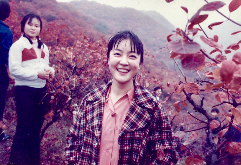 Jennifer at Fragrant Hills in Beijing in 1985. 曾錚1985年攝於北京香山