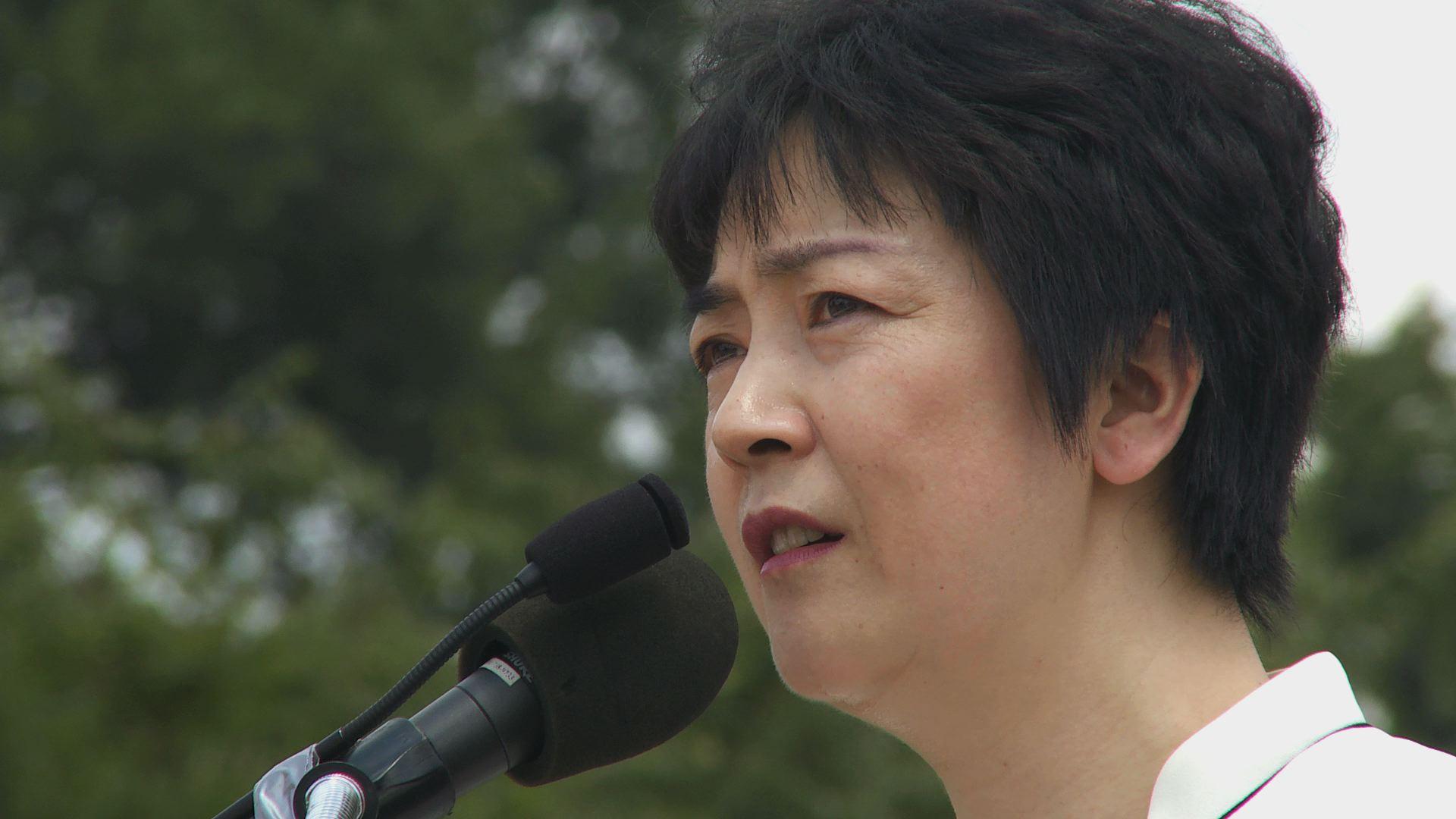 《自由中國》女主角曾錚2010年7月在華盛頓法輪功集會上發言。(圖片來自《自由中國》紀錄片)