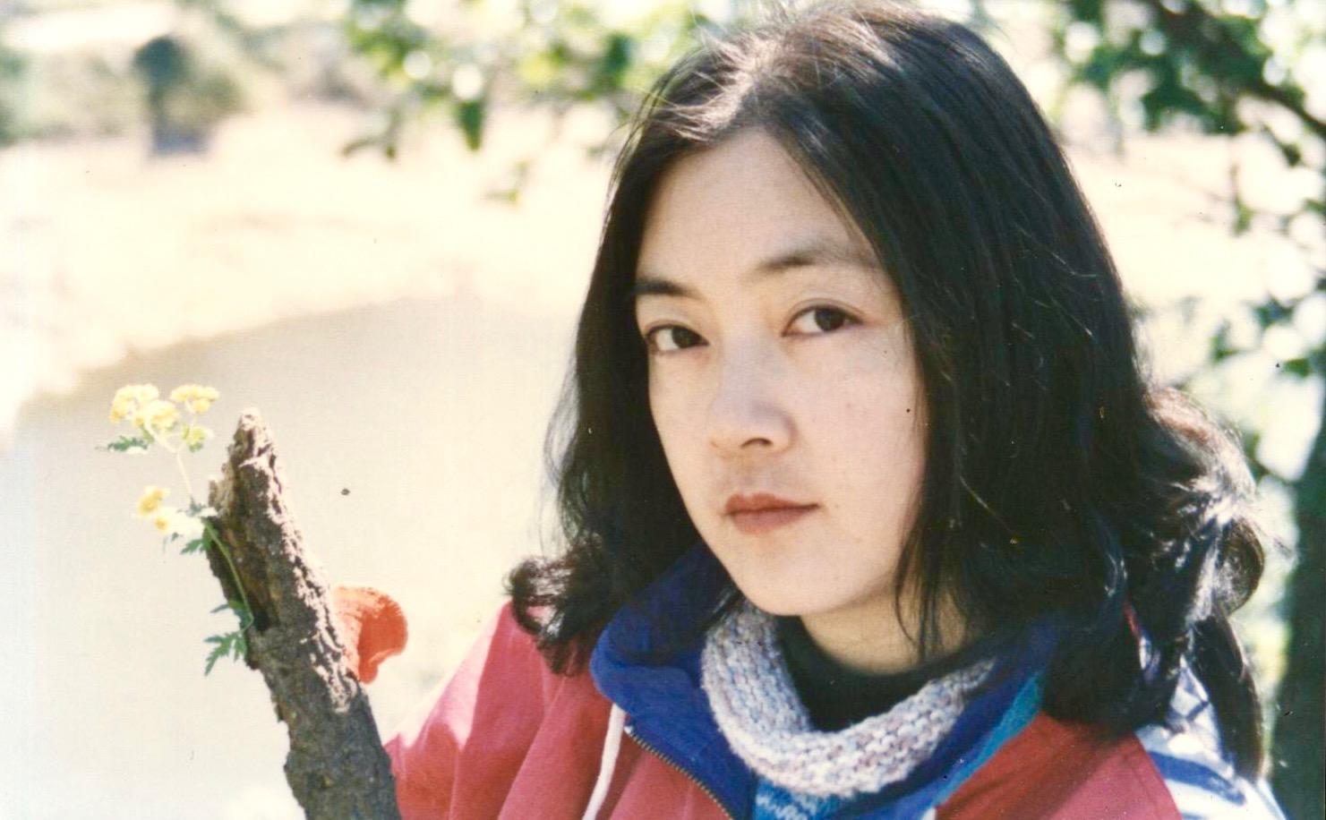 Jennifer in a mountain near Beijing in 1995. 曾錚1995年攝於北京郊區