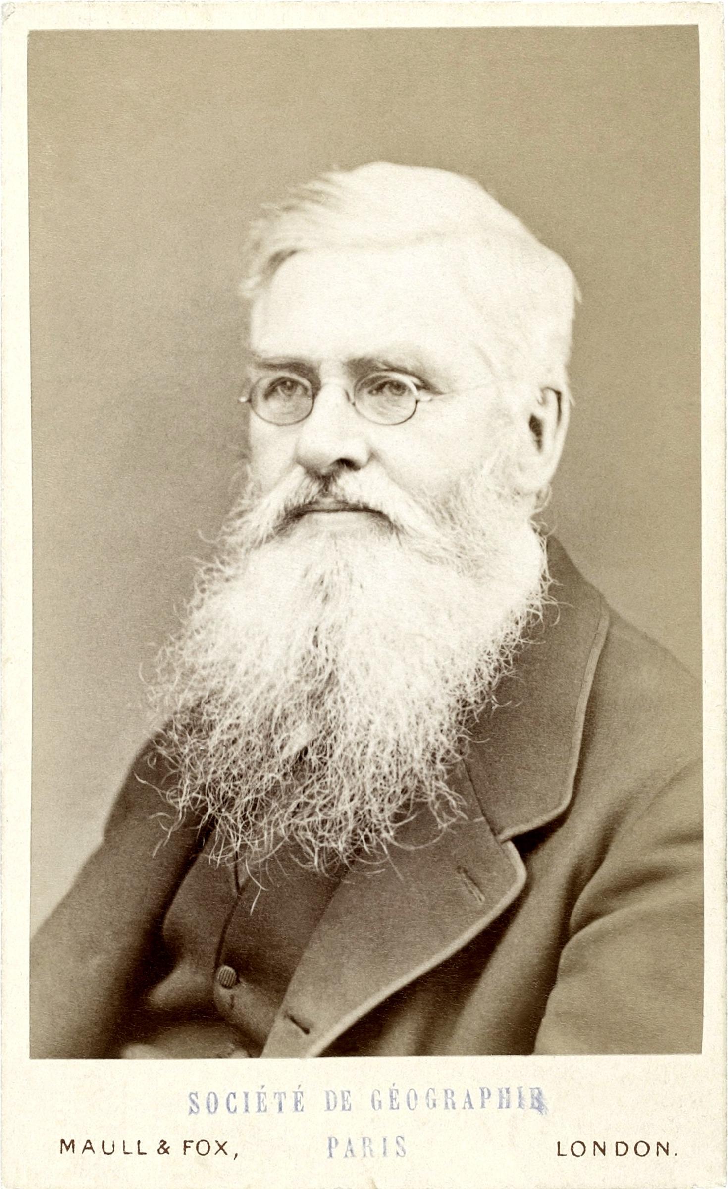 Alfred Russel Wallace, fotografía del estudio Maull & Fox, c. 1880