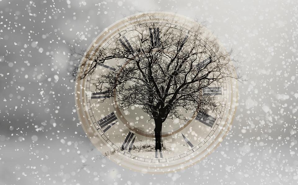 snow clock.jpg