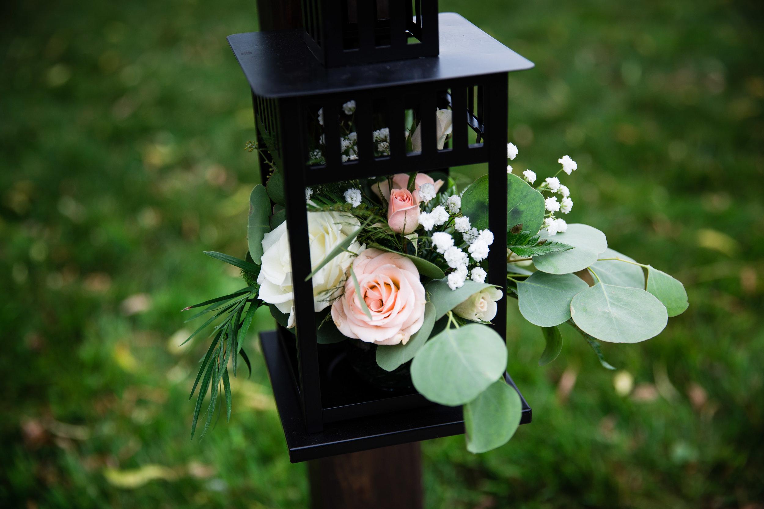 Lansing MIchigan Wedding Floral Details_Tania Howard Photography.jpg