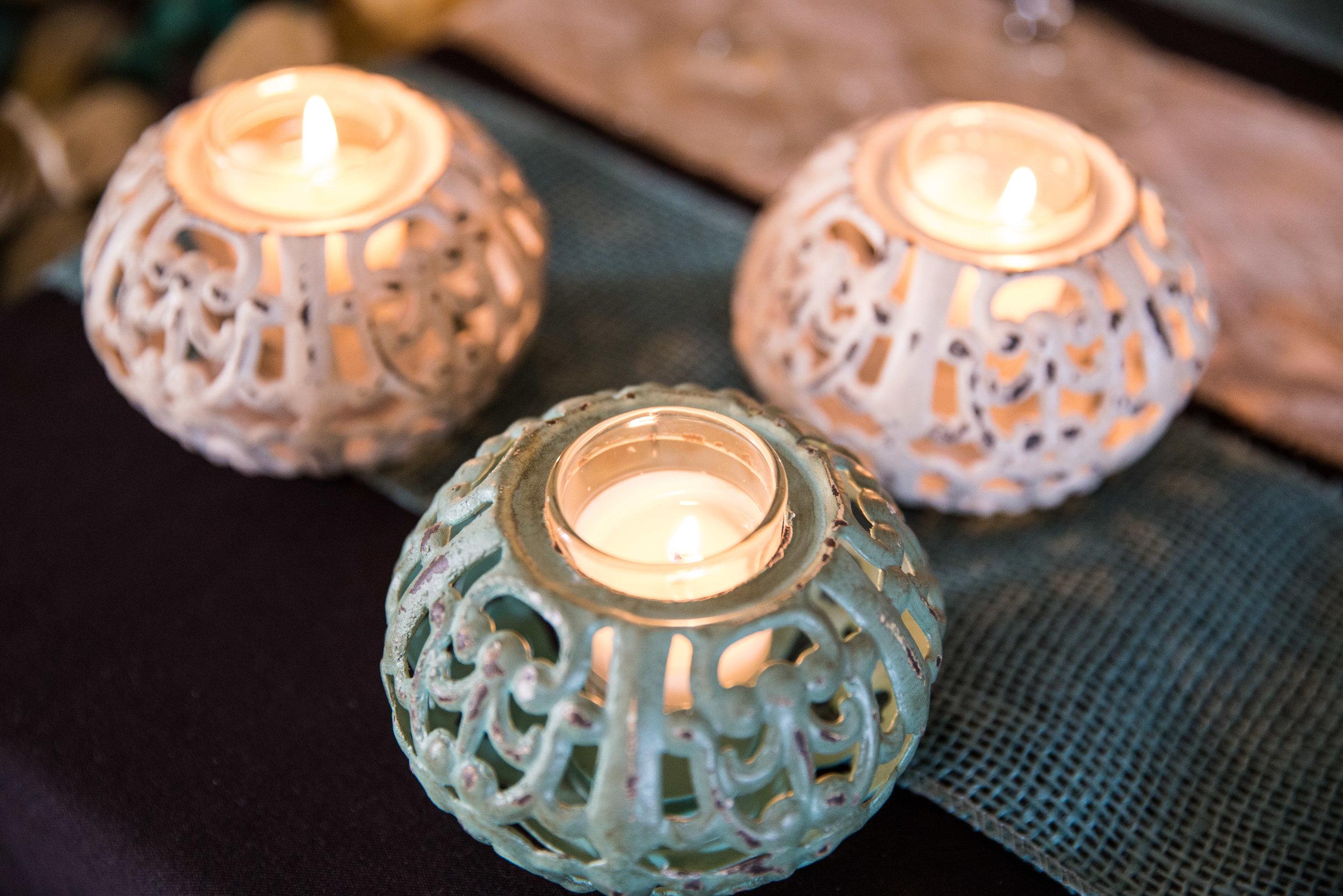 Lansing Michigan Wedding Reception Candles_Tania Howard Photography.jpg