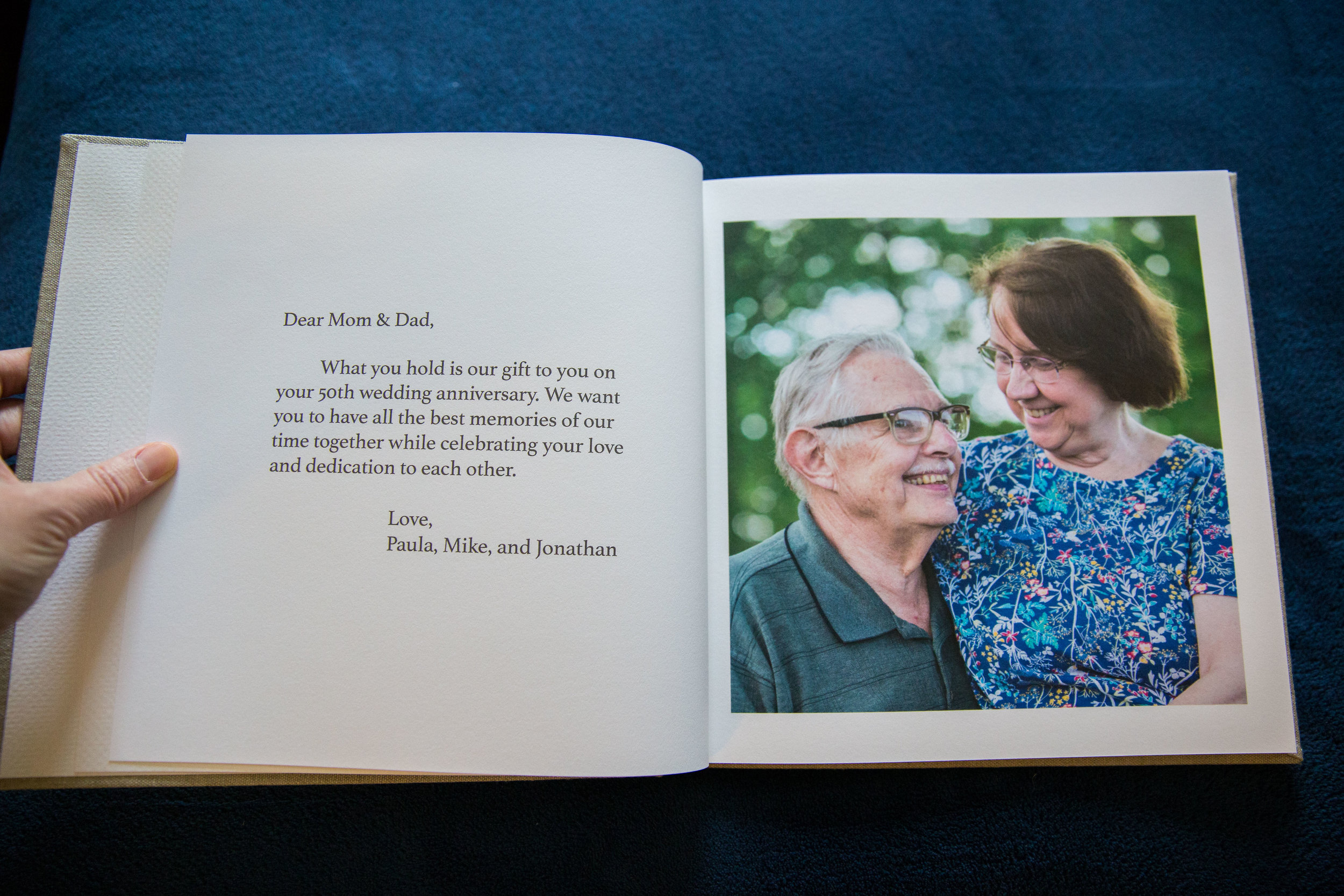 This couple's adult children gifted a photo session and fine art photo book to their parents in celebration of their 50th wedding anniversary. ♥️