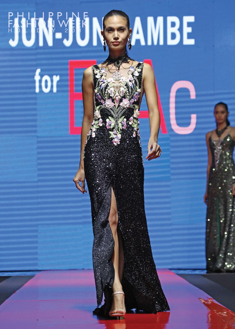 Online Fashion Show13.jpg