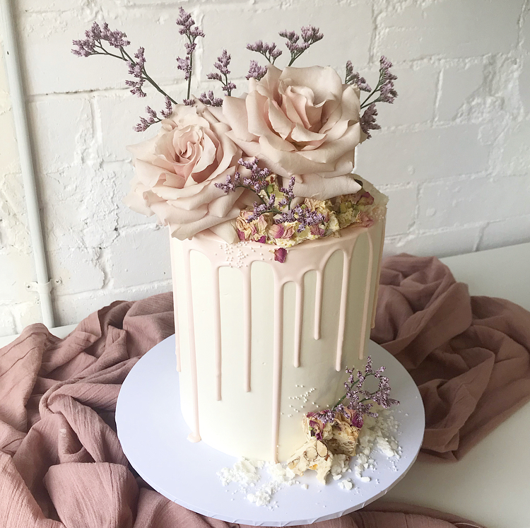 Single Tier Cakes - Two sizes to choose fromFeeds between 10 and 25 depending on sizeStarts at $170Budget for about $280