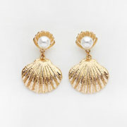 Reliquia_Seashell-Pearl-Earrings.jpg