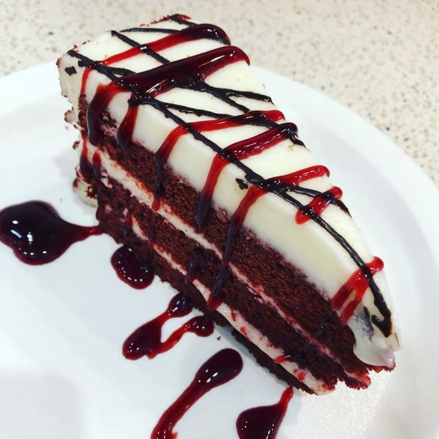 Share a red velvet cake with your love this Valentine's Day ❤️Only at Agrusa's! 🇮🇹 Also available in gluten free! 🍰