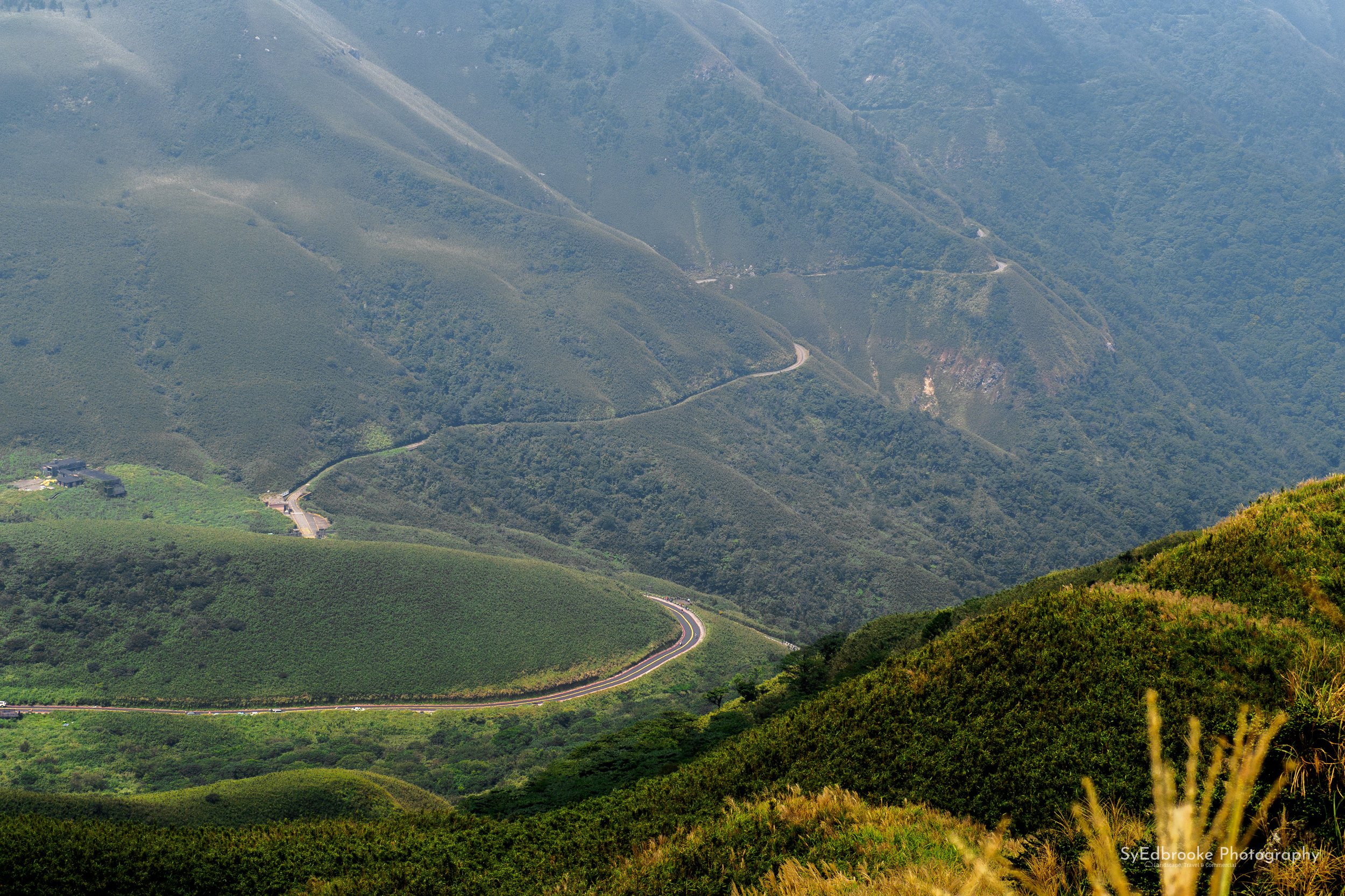 The bus route that takes you up the mountain, winding it's way through the valley.f8, ISO 250, 1/160, 150mm