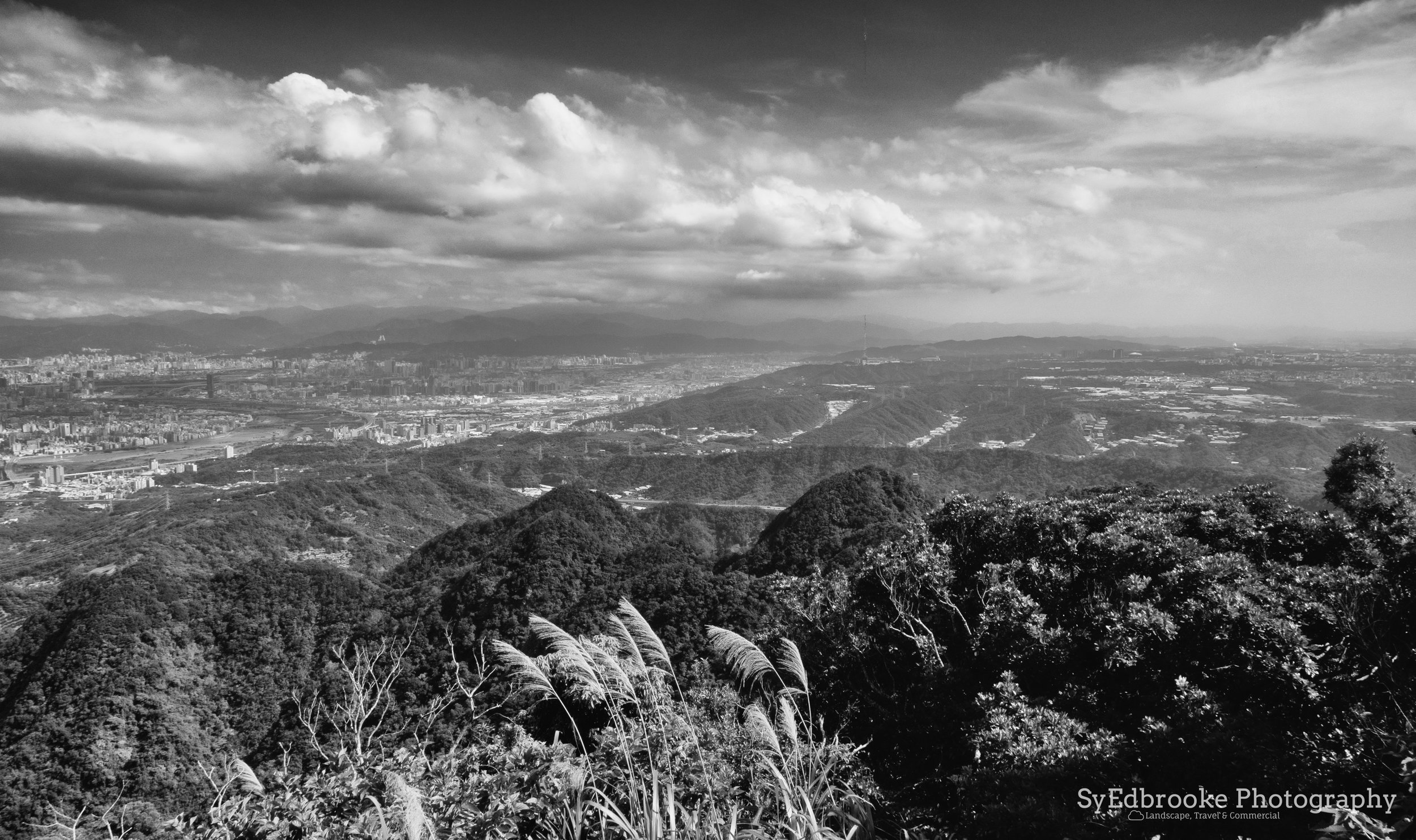 Looking back towards Banqiao and Taoyuan. f11, ISO 200, 1/80,24mm