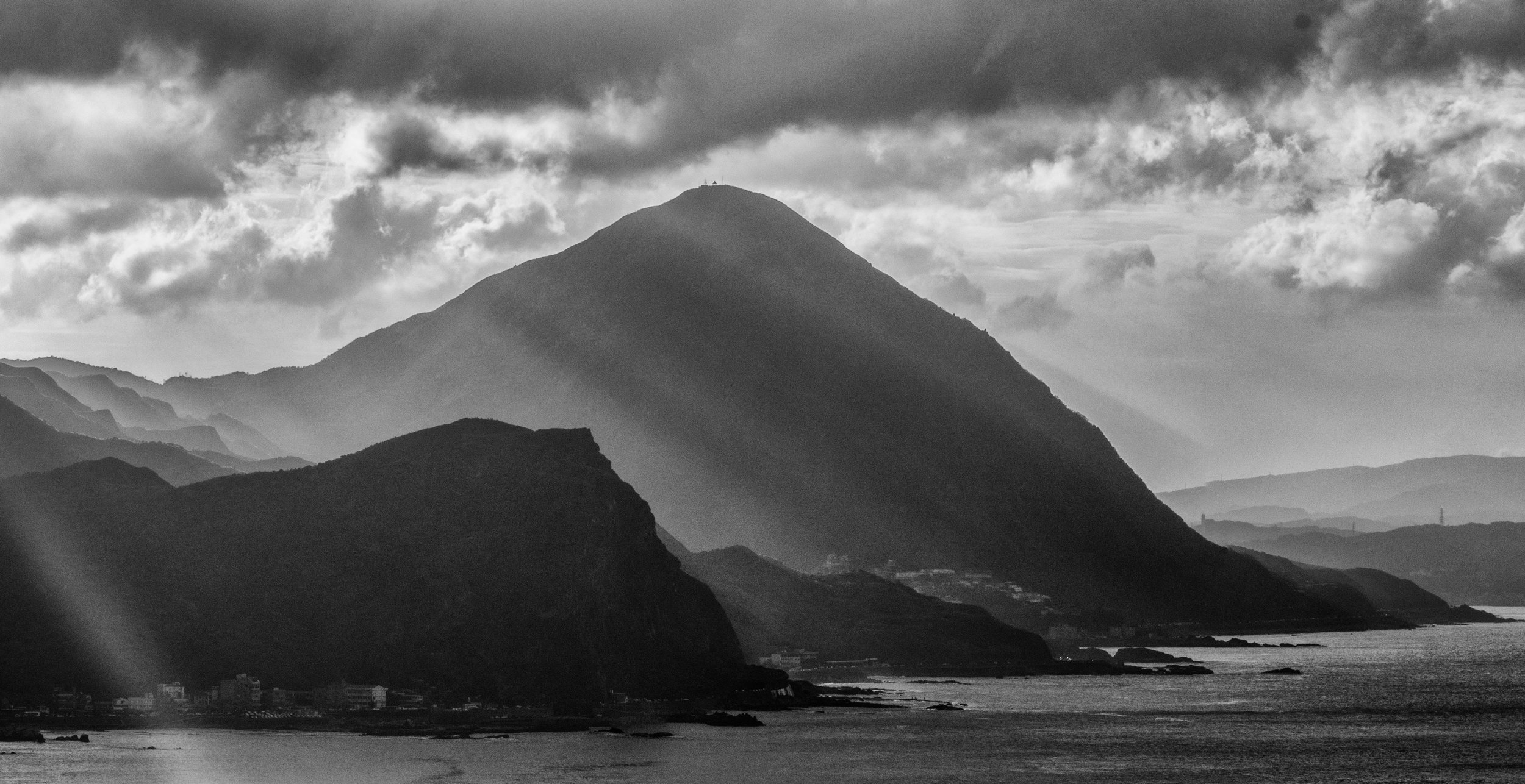 My favorite BnW photo I've taken to this day, Mt, Keelung. f22, ISO 200, 1/40, 150mm