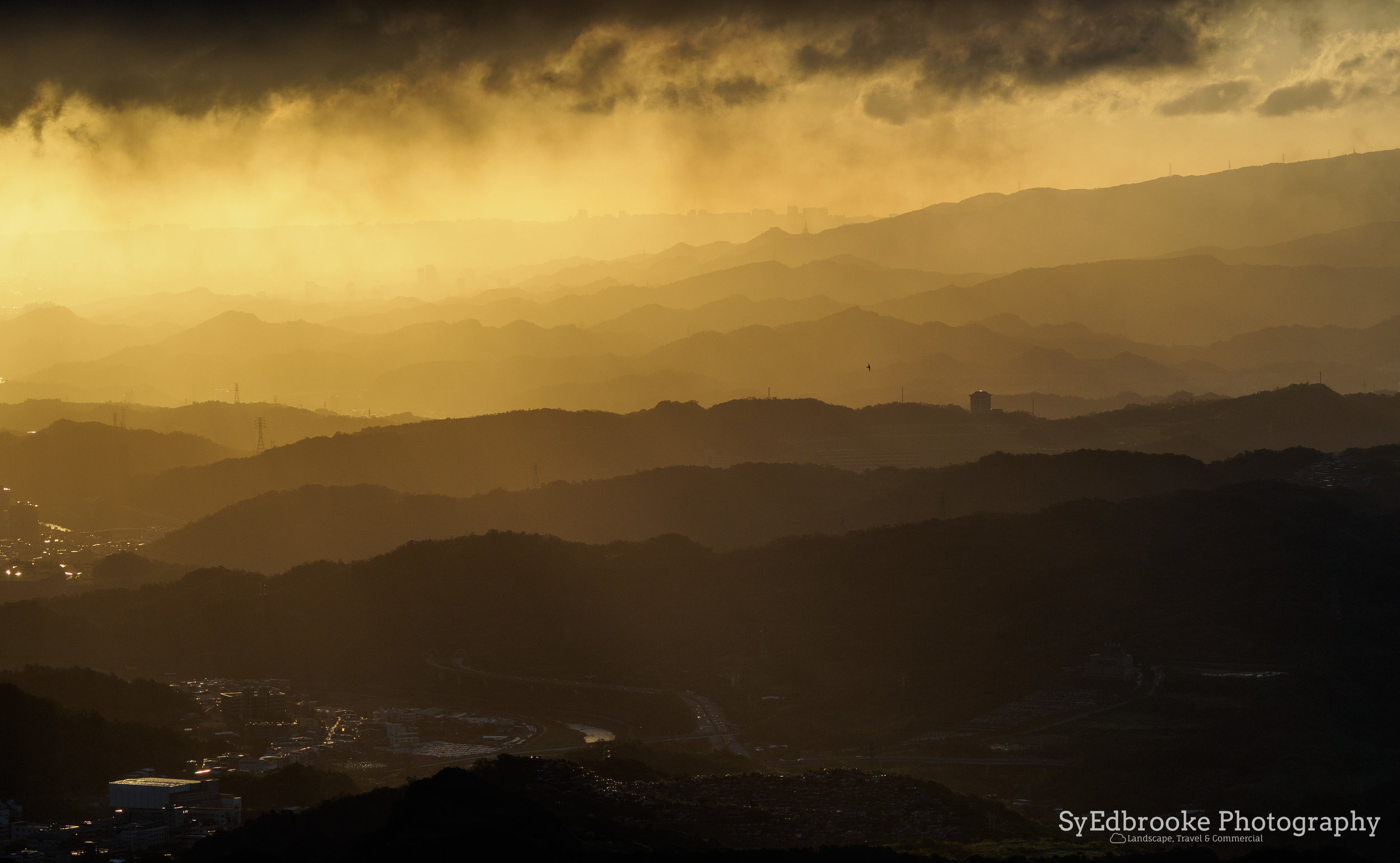 Layers upon layers of mountains. f3.5, ISO 200, 1/640, 150mm