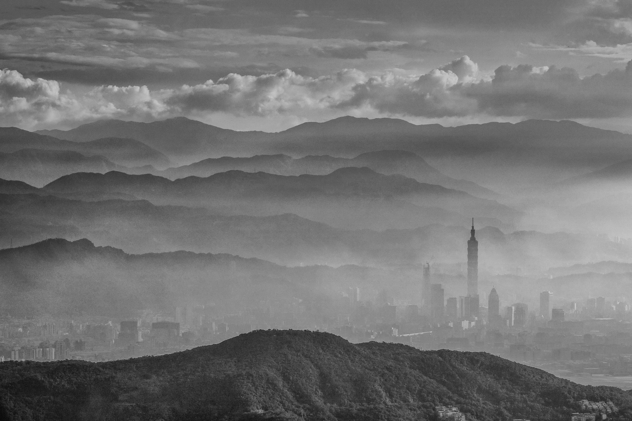101 rising up out of the smog. f11, ISO 100, 1/100, 150mm