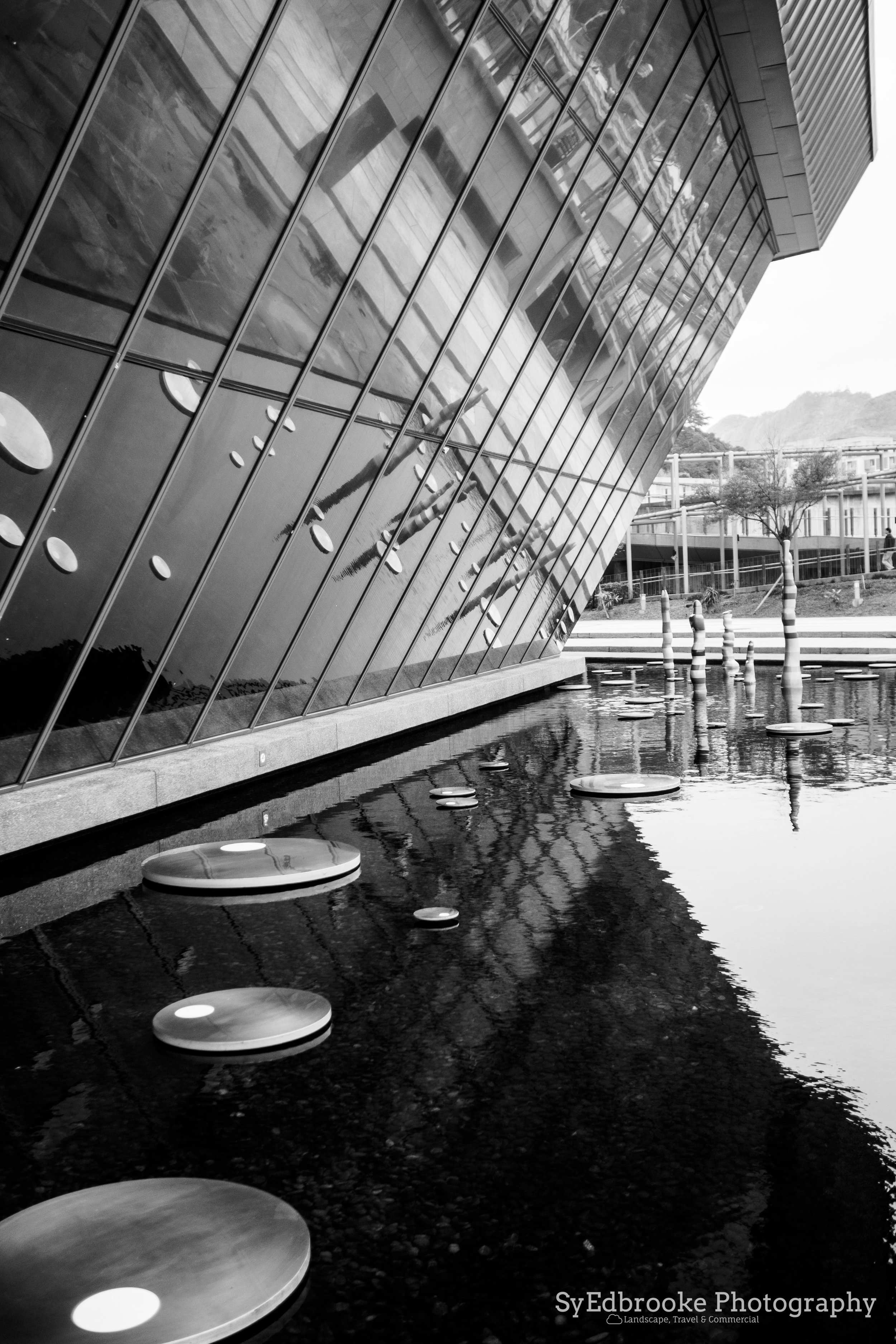 The maritime museum close to Keelung. f1.8, ISO 200, 1/200, 35mm