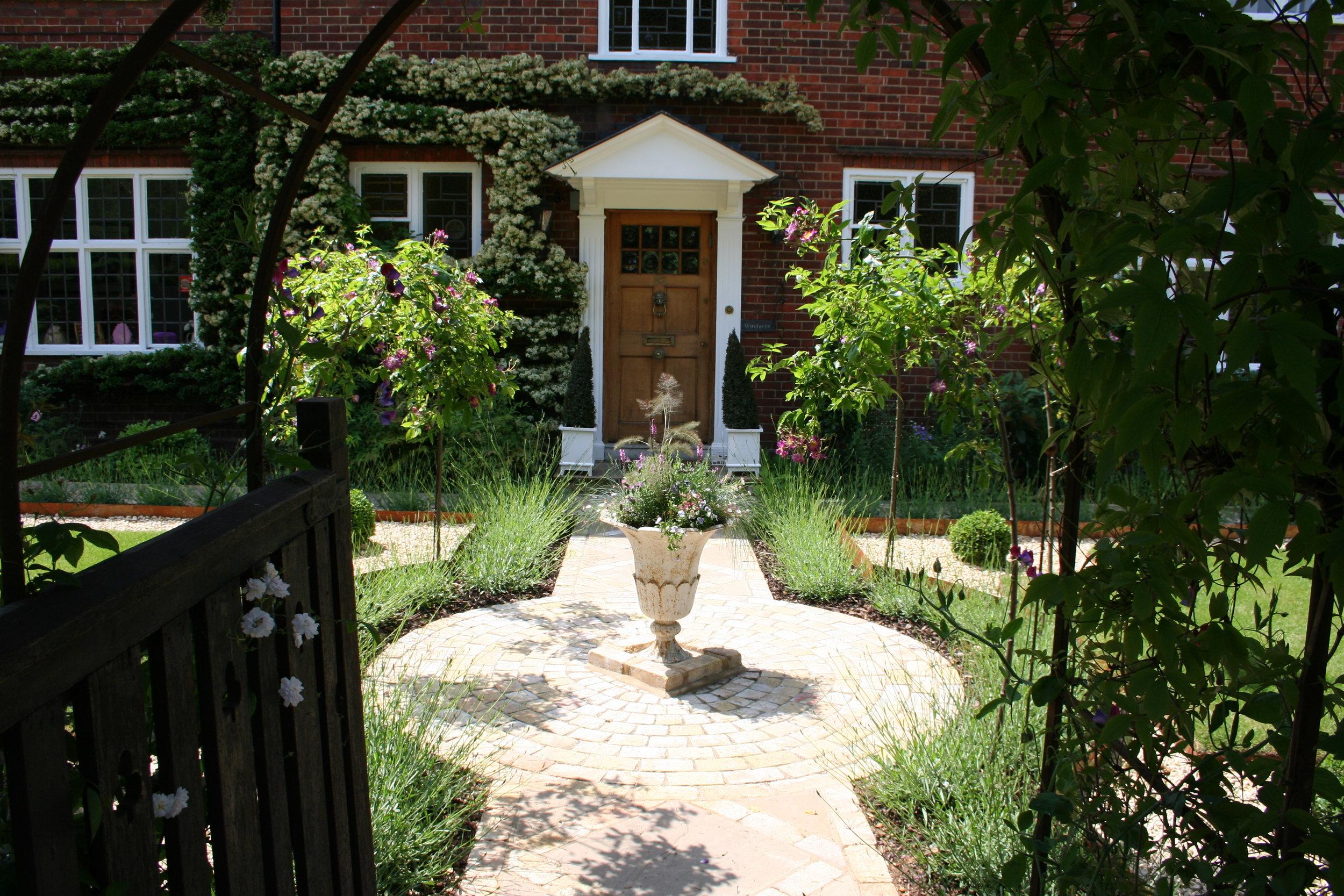 Italianate Front Garden