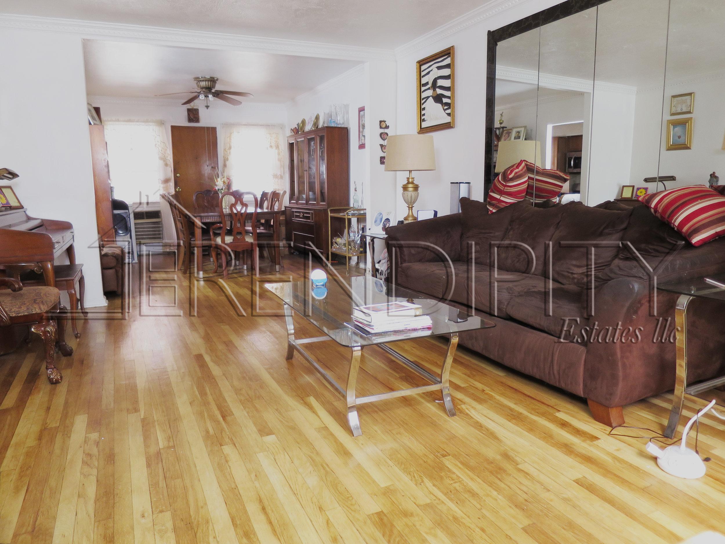 855 Crown Living Room.jpg