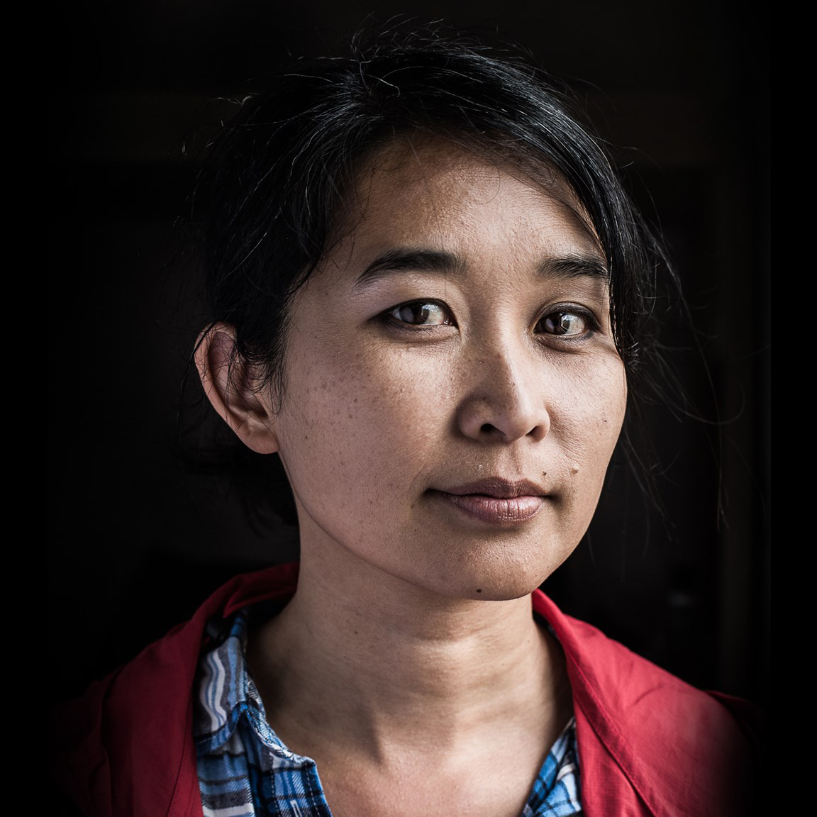 OZY: From Refugee to Graphic Novelist—a Story Four Decades in the Making - For Thi Bui, 12 years is how long it took to get the story she wanted to tell where it needed to be. And now, at 42, she's published her first graphic novel, The Best We Could Do . . .
