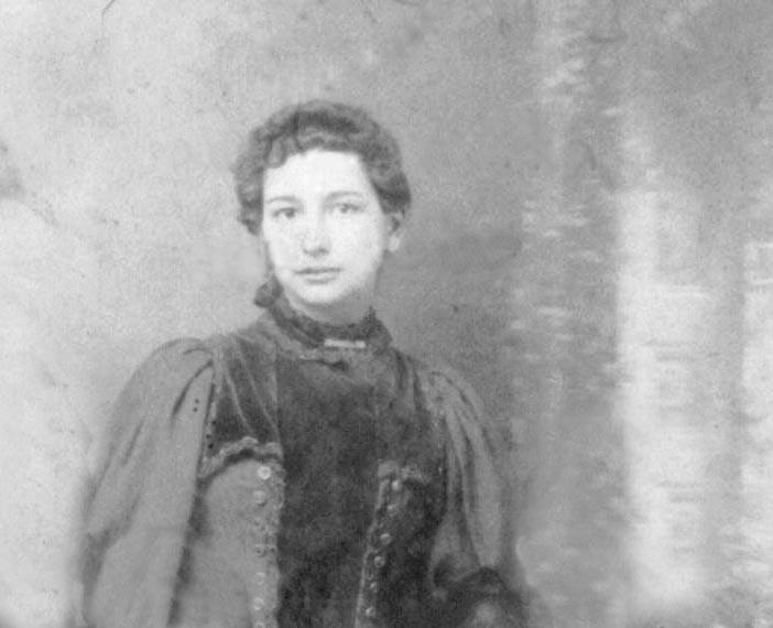 Annie Von Rohr 1st Wife