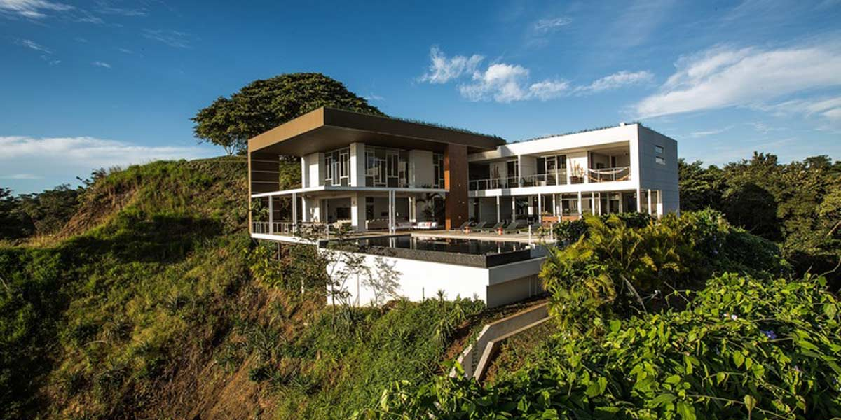 zz-eco-house-hill.jpg