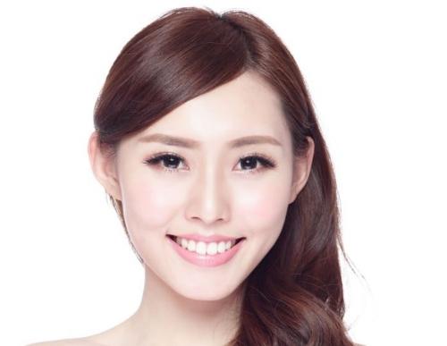 asian-obsession-with-fair-skin-1320x720.jpg