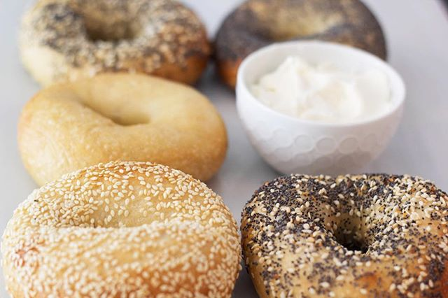 A bagel a day keeps the doctor away, or something like that.  #pearlsbagels #carbs #bagels