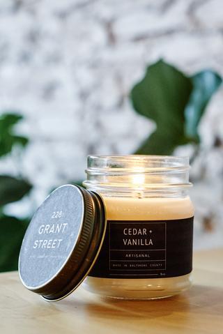 Cedar & Vanilla 228 Grant Street Candle