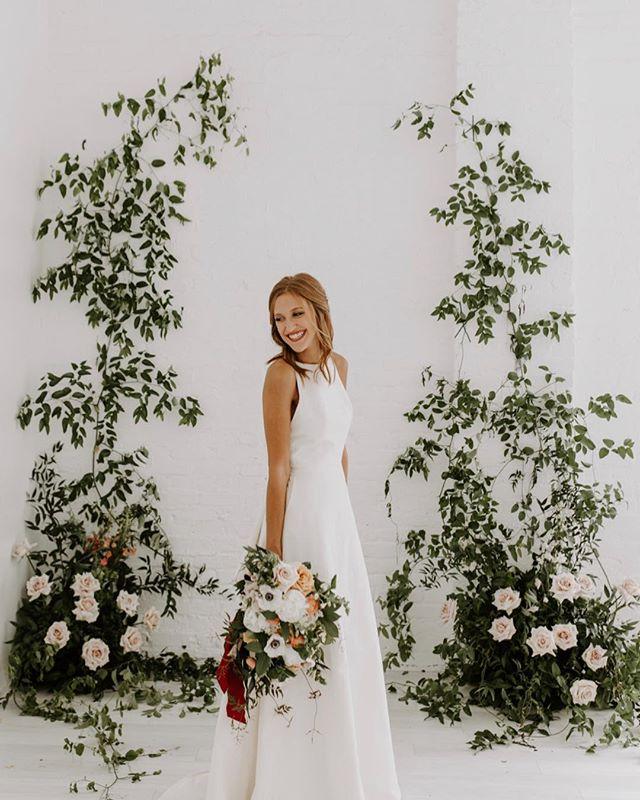 Life is JOY. Happy Holidays y'all!! • • •  #emmacaitlyncreative #holidays #smile #love #style #photoshoot #model #bridal #weddingday #weddingdress #yestothedress #flowers #weddingsofinstagram #flowersofinstagram #bouquet #photography #roses #smilax #weddingideas