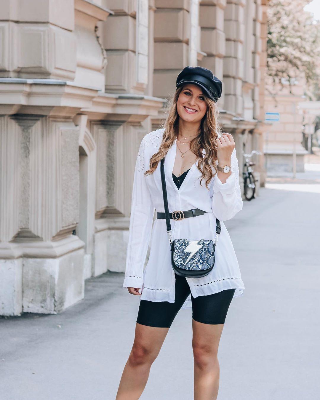 PHOTO VIA: @fashionladyloves.