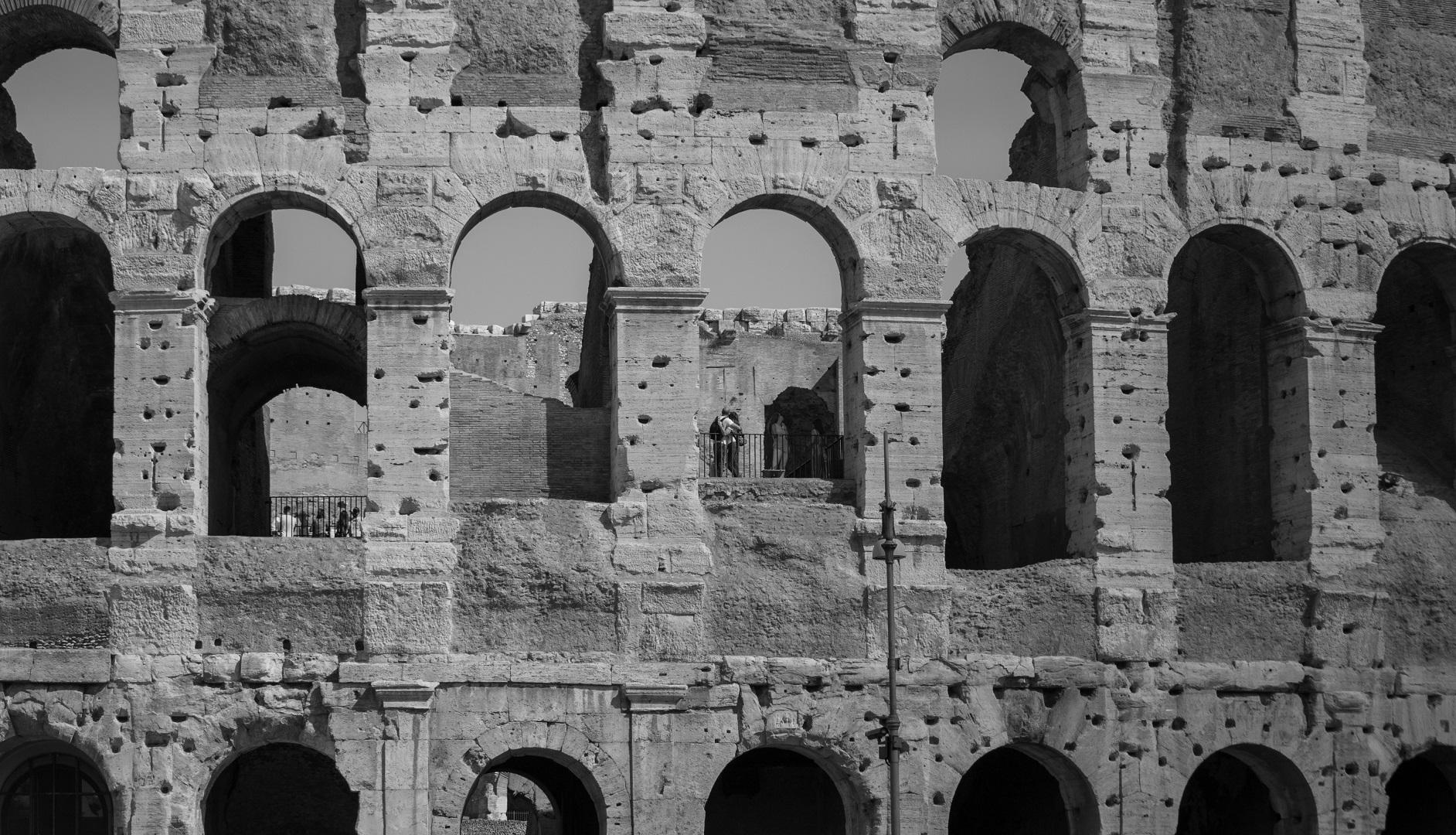 Colosseum Couple