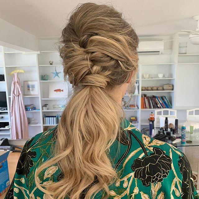 Textured Low pony . . . . #sunshinecoastweddinghairdresser #lowponytails #braiding #hair #sunshinecoastwedding #peregian