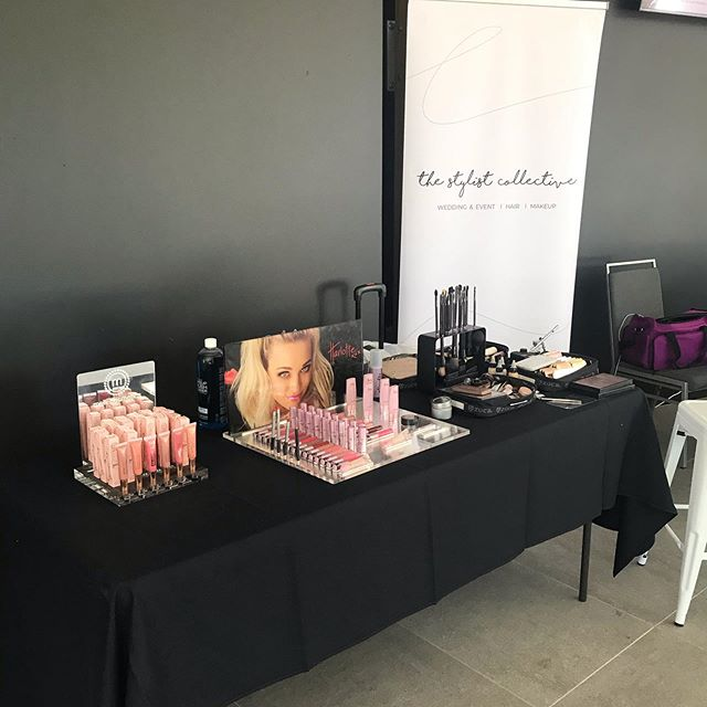 The calm before the storm! Touch up bar ready to go for @scwishlist spring carnival #sunshinecoastmakeupartist #makeupbar #eventmakeup