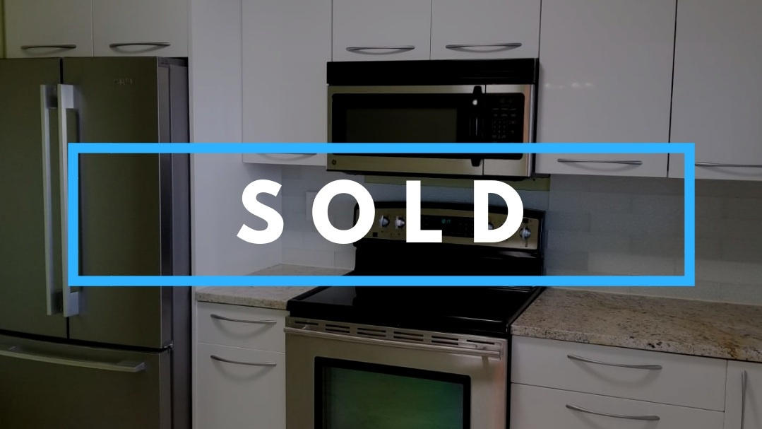 BURNABY, BC    1 BED | 1 BATH | 905 SQ/FT    SOLD!!! Congratulations to my buyers! This one bedroom + den, one bathroom was perfect for my clients. Home with a view, close to friends, family and everything they needed. They were so excited to get it and I'm happy to find them a place they love that checked off everything on their checklist AND $38k below asking!! Thank you for trusting me in helping you find you a home!