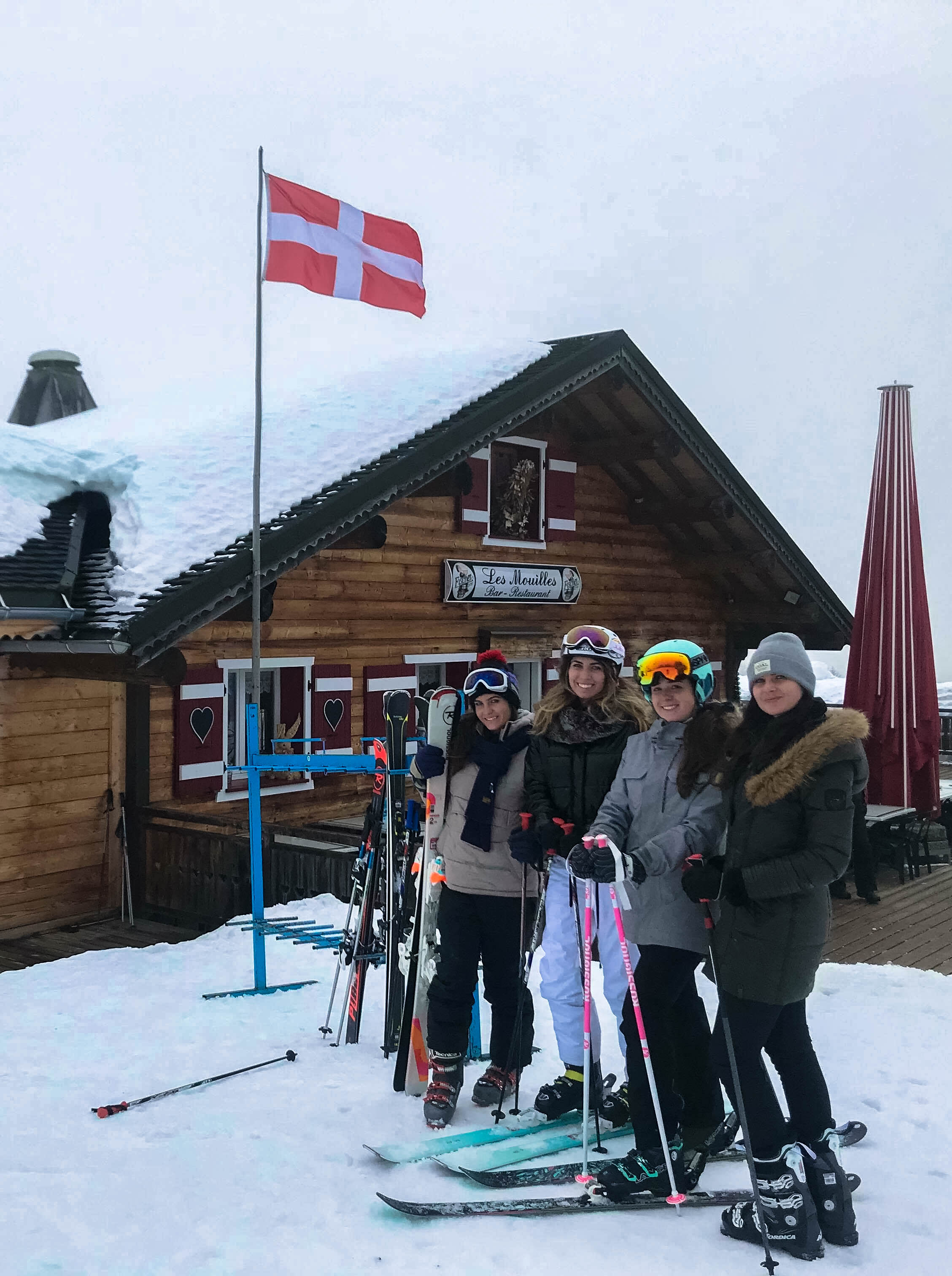 Meeting in the Alpes - My best friend Steph and her 2 sisters made the trek out to Les Gets to spend a day on the slopes with me!