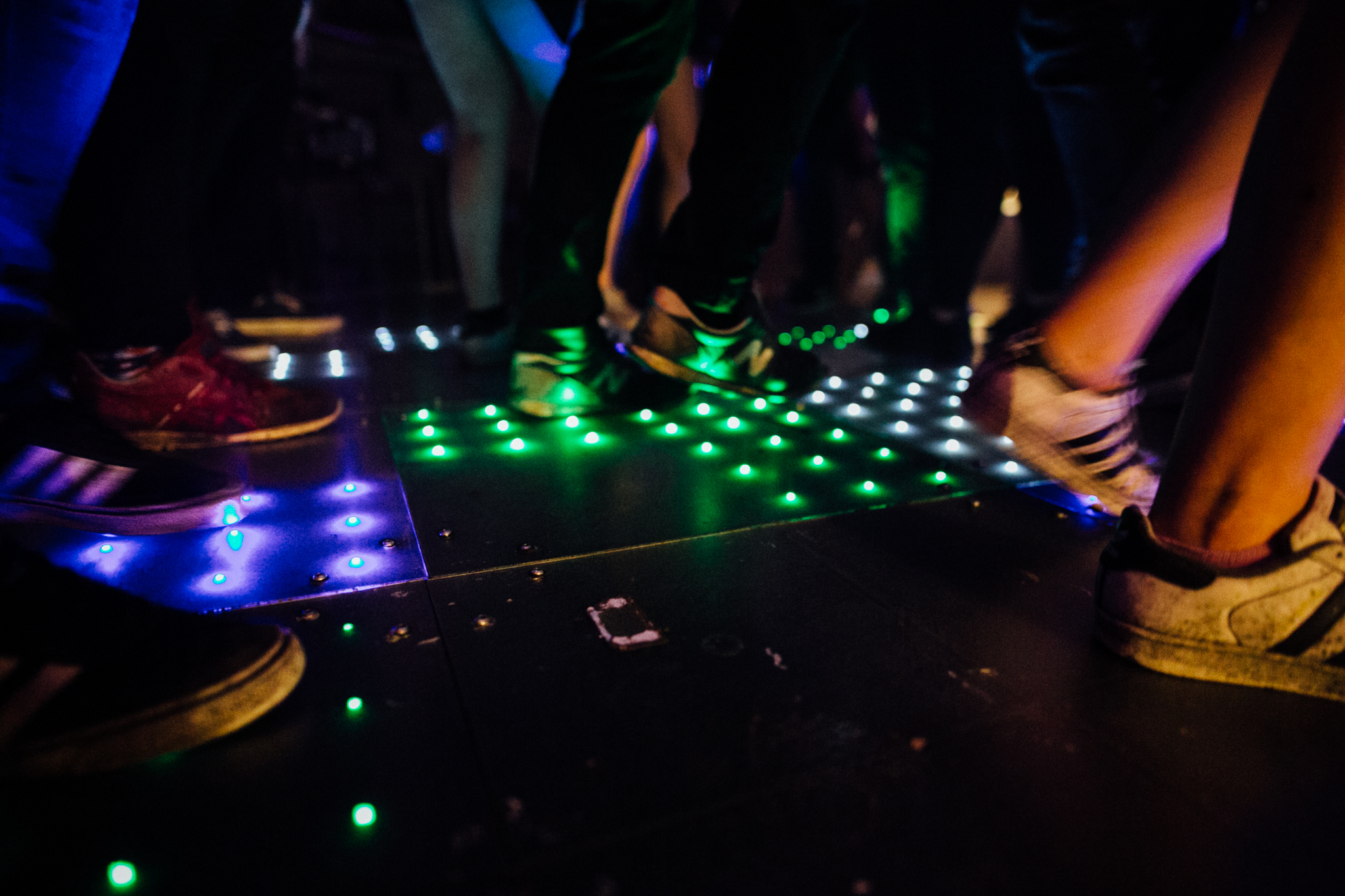 LIGHT UP DANCE-FLOOR