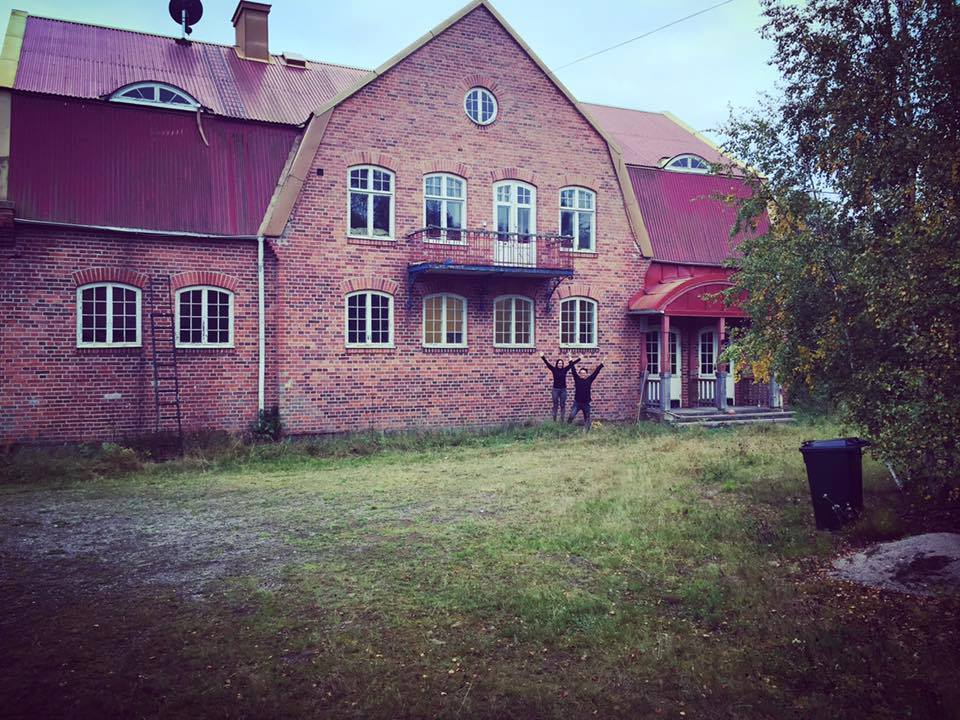 The happy day when Petra Shara Stoor and Fredrik Fernlund bought Helsinglight Castle in September 2011.