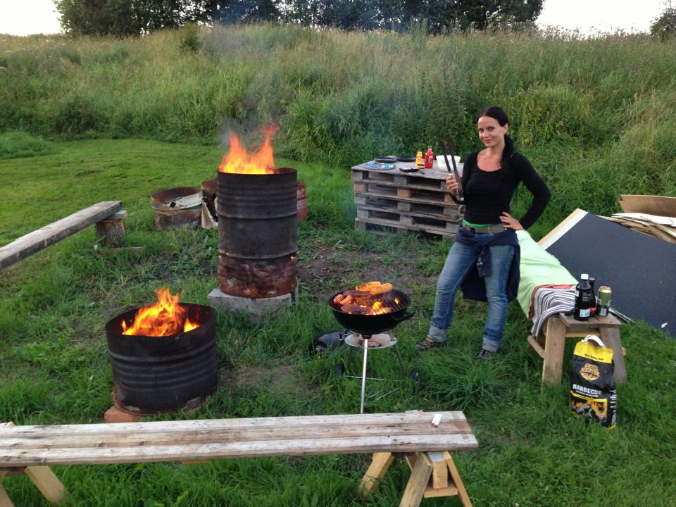 Petra and Fredrik loves to sit outside in the summer with BBQ and bonfire nights!