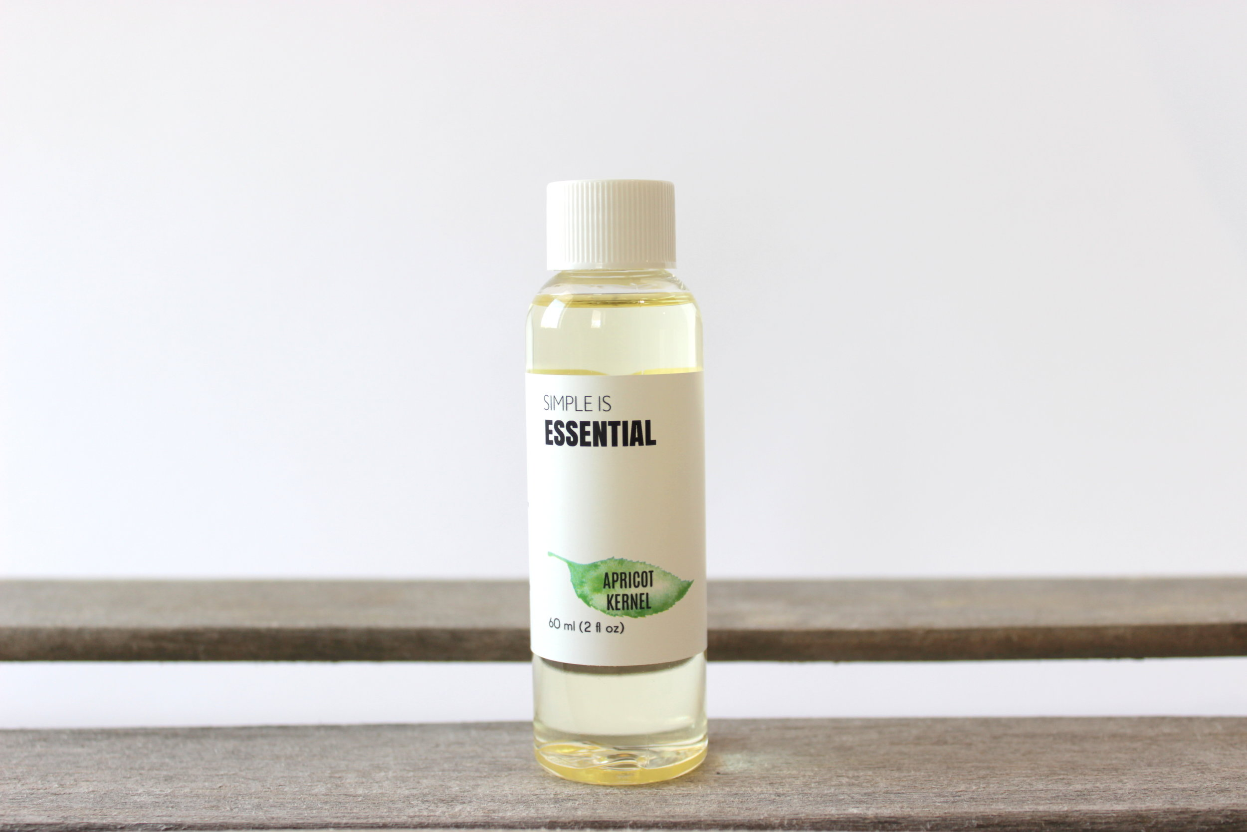 Carrier Oils   Popular carrier oils used for diluting essential oils for skin use. Inlcudes classics like sweet almond and jojoba, and increasingly popular fractionated coconut carrier oil.