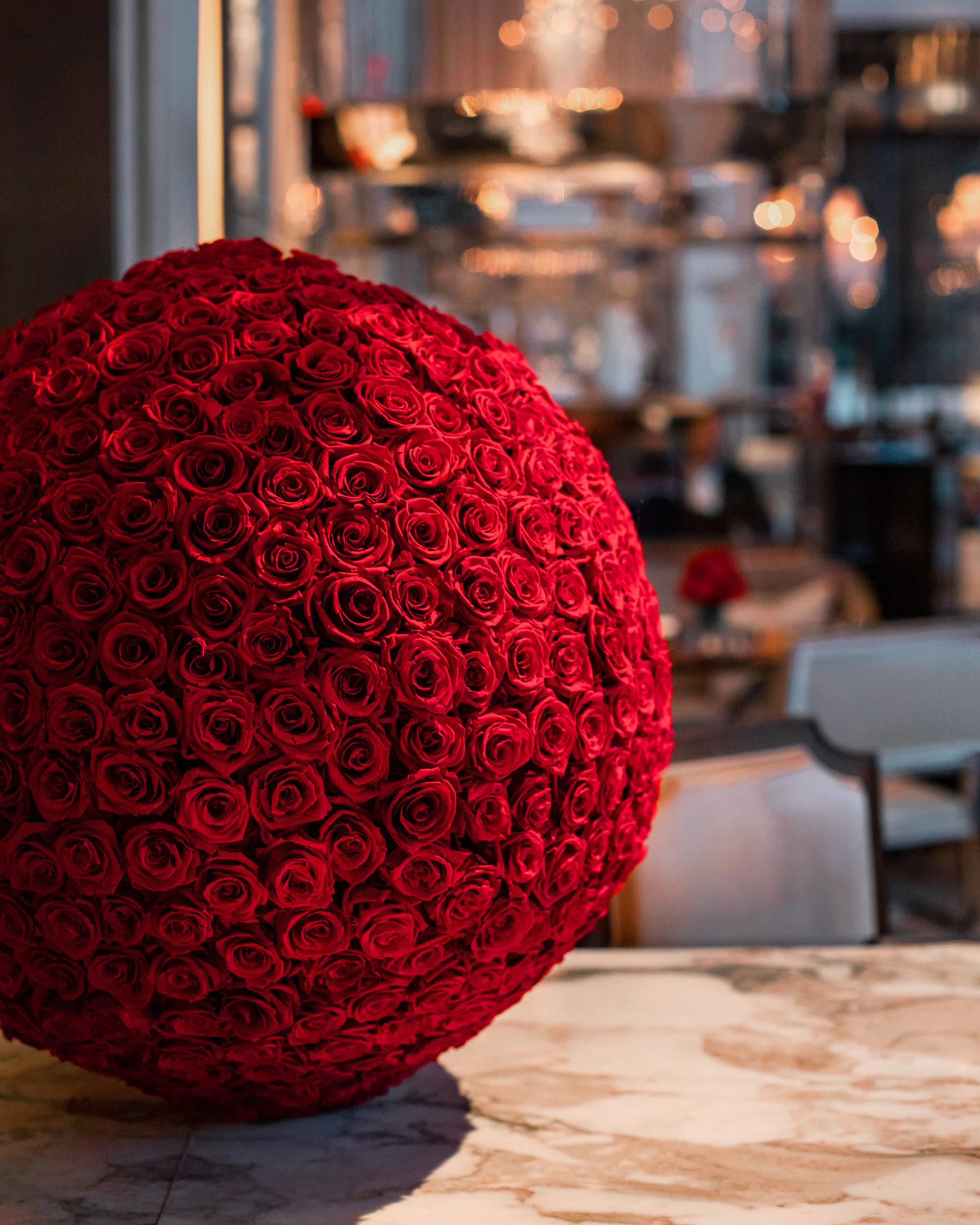 Rose-ball.jpg