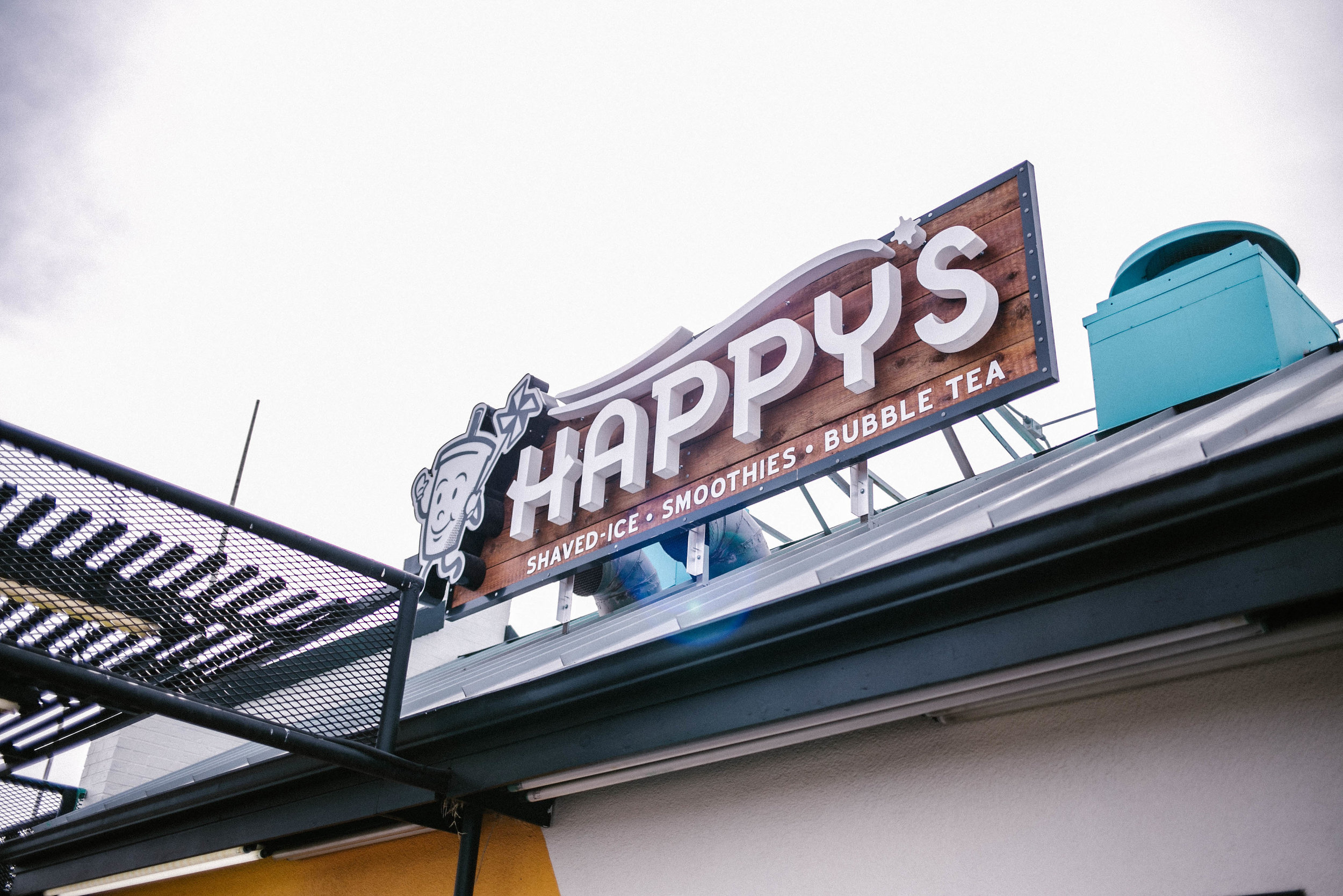 About Happys - Tyler and Kaydi started Happy's as a food truck in Denton, TX. Lubbock called them back home and Tyler and Kaydi decided to be the first to offer bubble tea in their hometown. With all sorts of flavors available, Happy's is making Lubbock a happier place one shaved ice, smoothie, and bubble tea at a time!