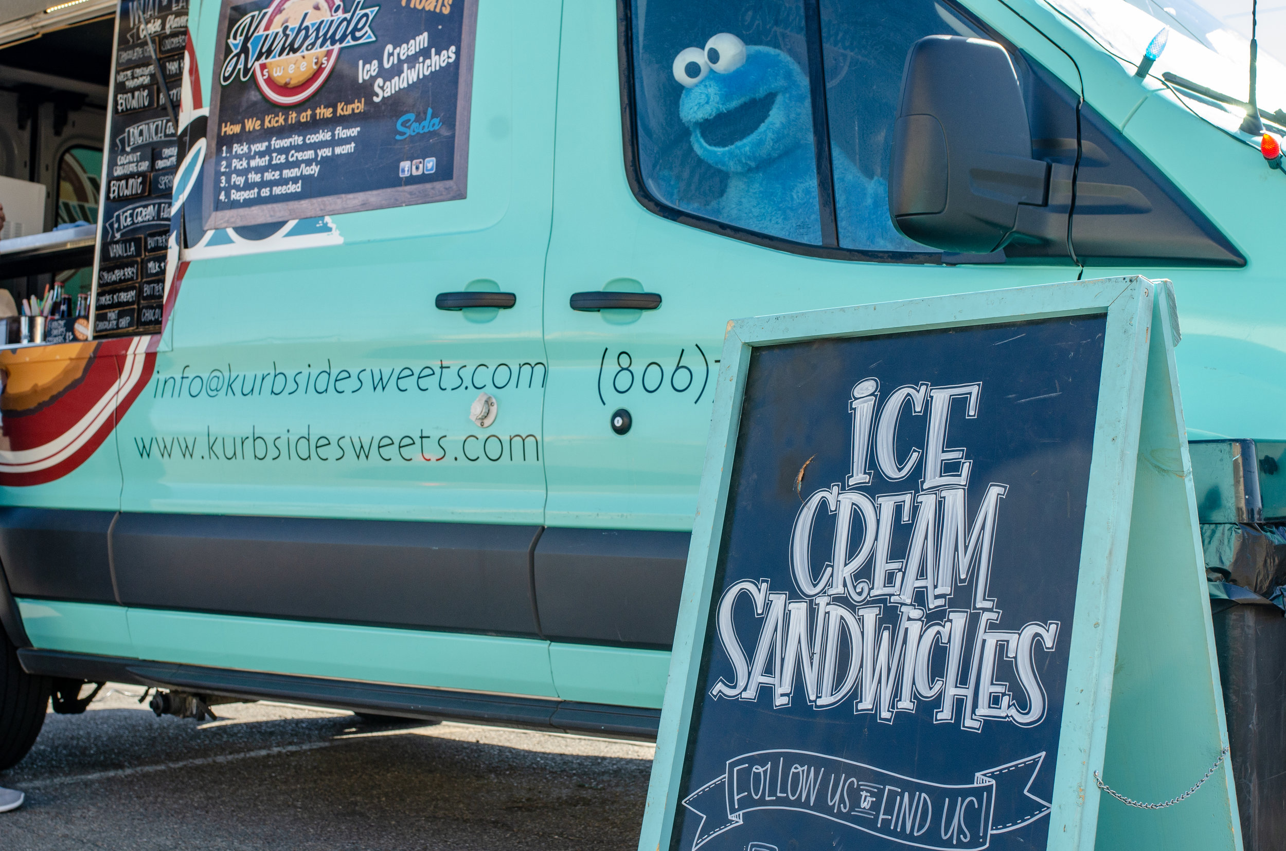 About Kurbside Sweets - A food truck serving custom made ice cream sandwiches using fresh baked cookies and Blue Bell ice cream. From special events to Lubbock's most trafficked street corners you can count on Kurbside to satisfy that sweet tooth.