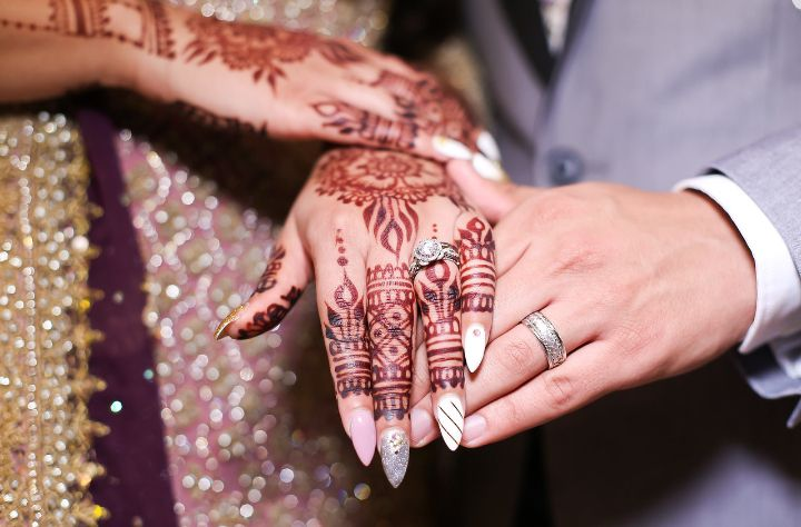 - Madiha is one of the best mehndi artists I have came across. She did an amazing job on my bridal mehndi. She used completely natural mehndi and the stain came out so dark and beautiful! It lasted for weeks! Definitely recommend her!! - Sabrina (12/19/18)