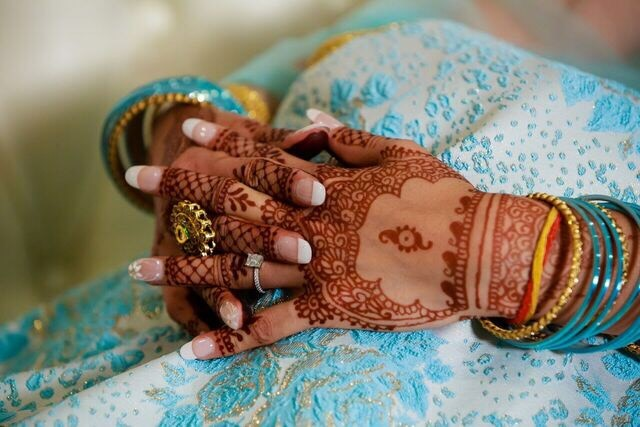 - Madiha is amazing! She did my henna for my engagement party this past weekend. Almost a week later, and I'm still getting compliments on how beautiful and dark the stain is. Thank you for taking the time to ensure that my mehndi design was perfect. - Roohi (6/5/18)