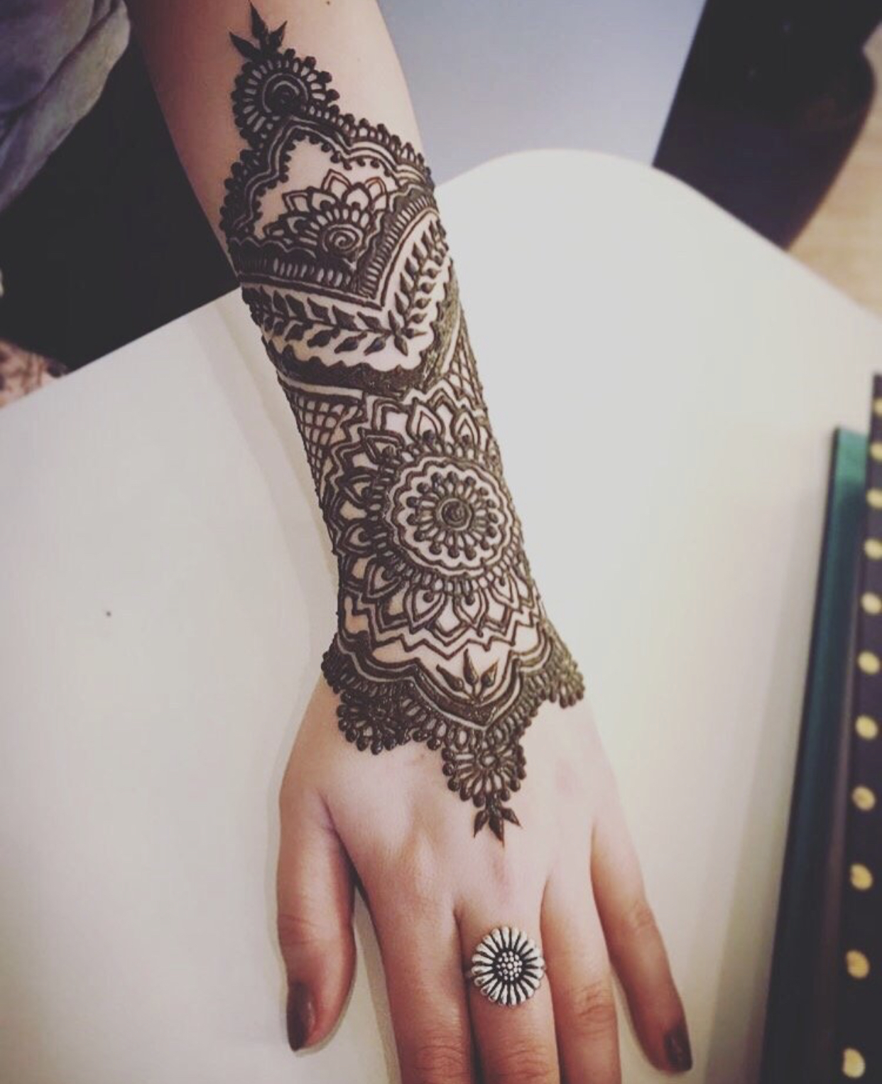 - Loved my henna tattoo. Madiha was very professional & gave me exactly what I asked for! - Amanda (3/10/18)