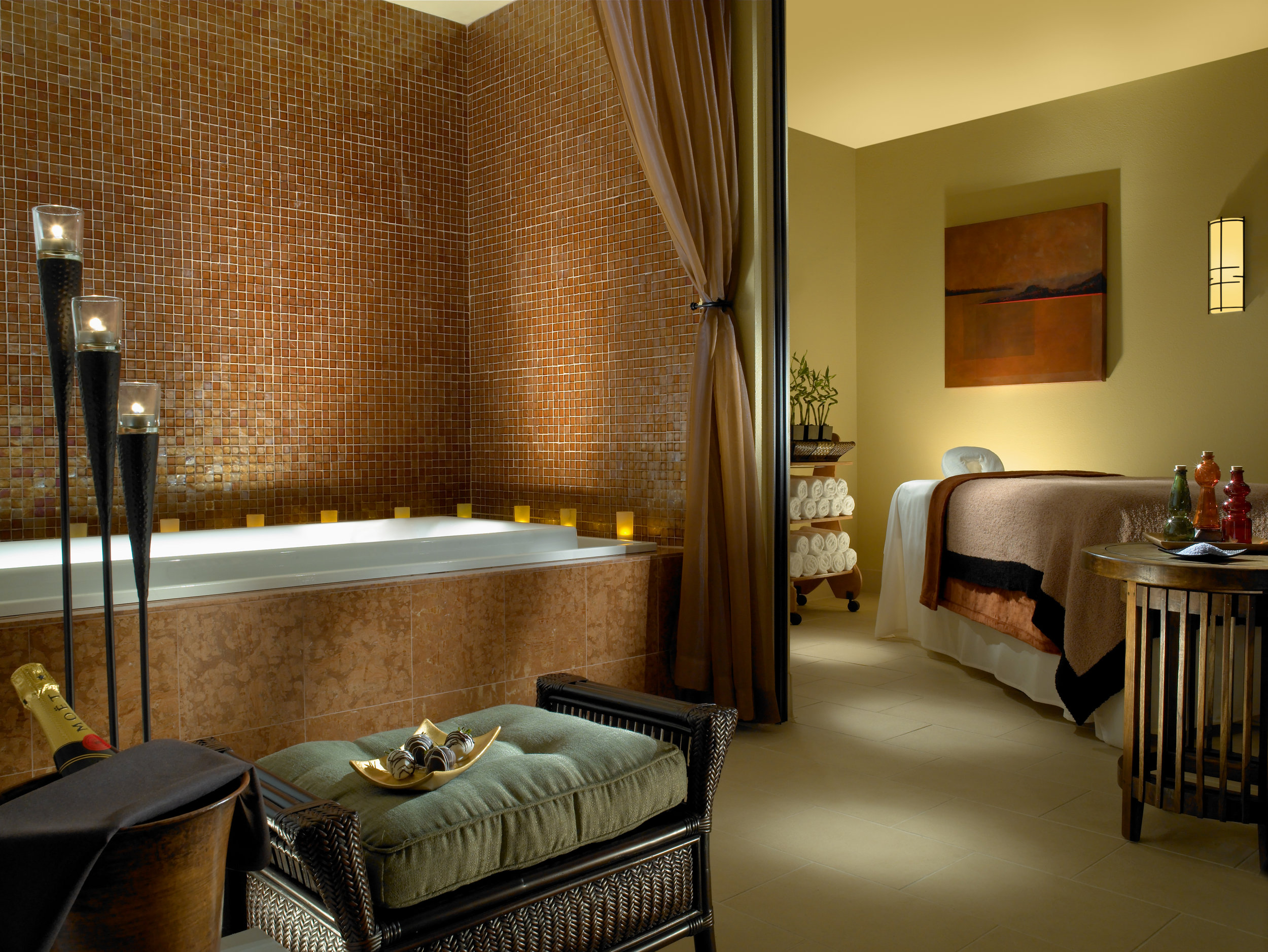 Keystone Lodge Spa:<br>Couples Treatment Room