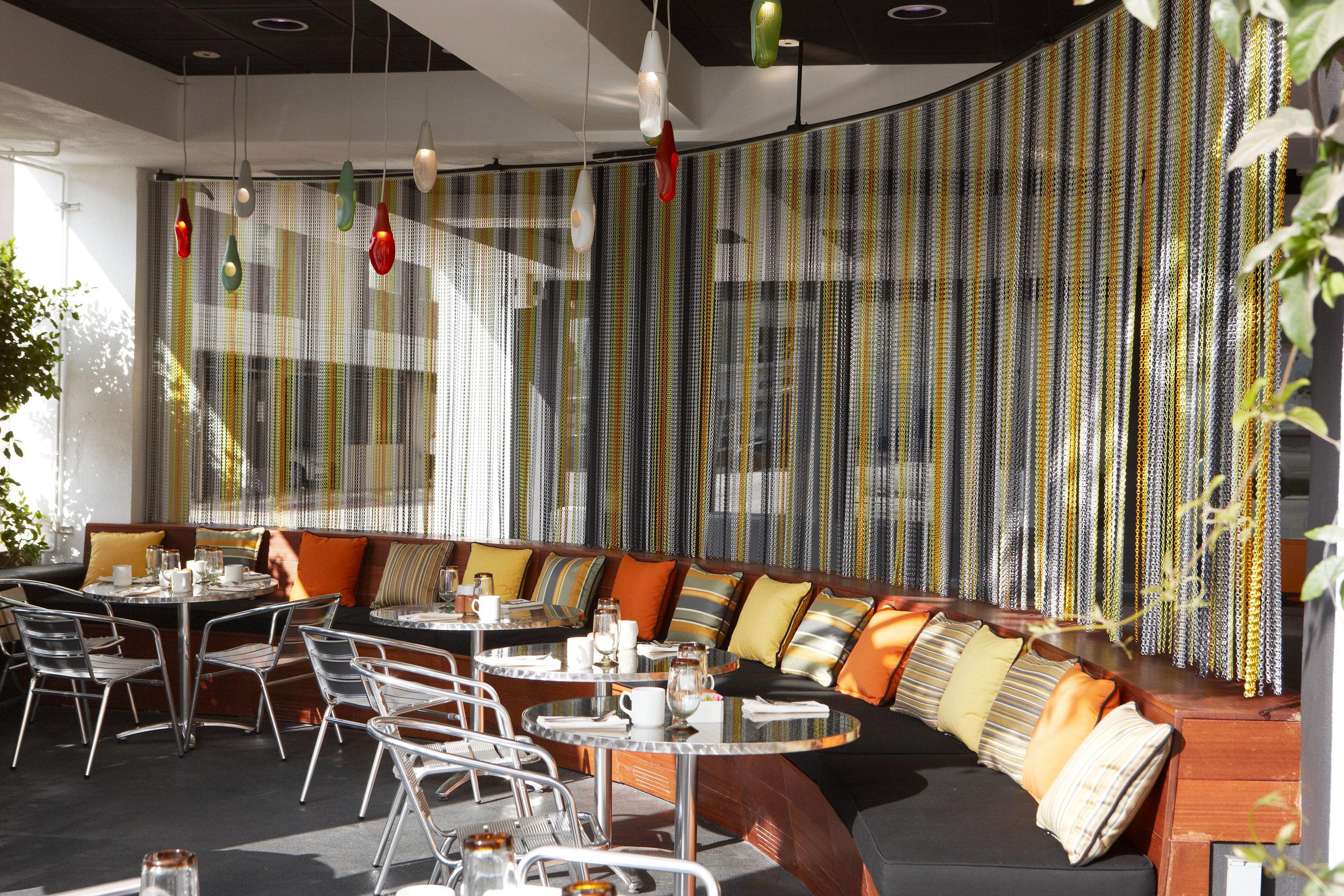 Hotel Erwin: Sidewalk Bar