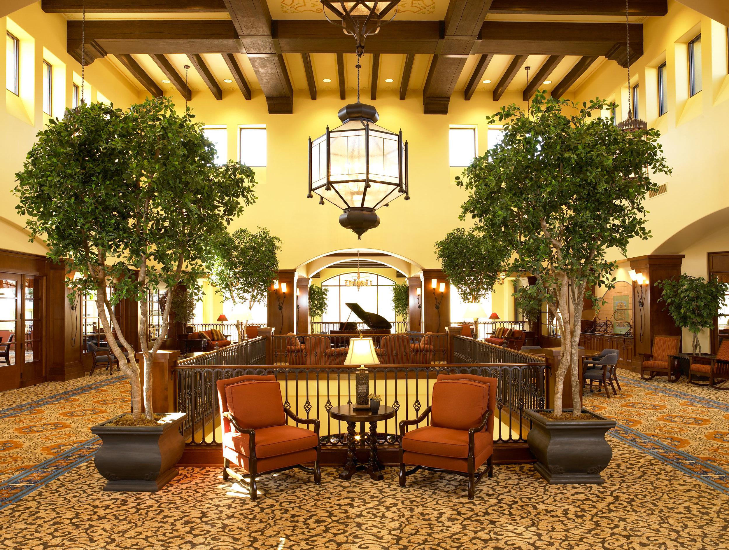 University Village<br>Thousand Oaks: Living Room