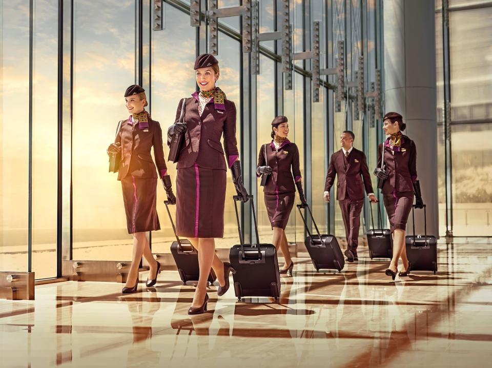 Emirates, Etihad, Qatar cabin crew CV requirements and photo